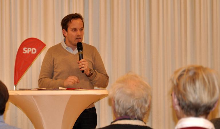 Martin Bruno Radig mit Mikrofon